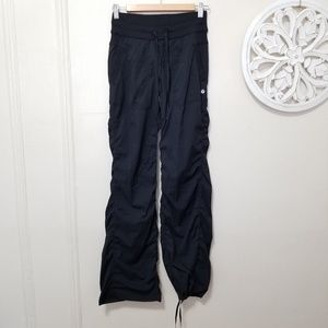 Lululemon size 4 jogger pants